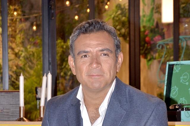 Se incendia departamento donde se hospedaba Héctor Sandarti
