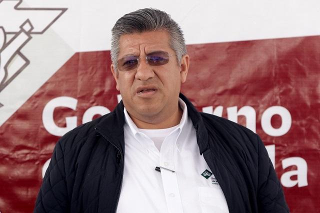 Sale Heliodoro Luna de la Secretaría de Infraestructura