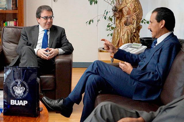 Signan convenio Universidad de Alcalá de Henares y la BUAP