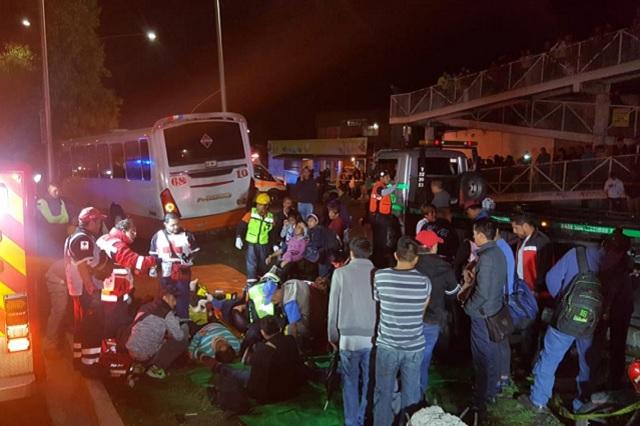 Chofer de ruta 68 se estrella con árbol y deja 17 pasajeros heridos