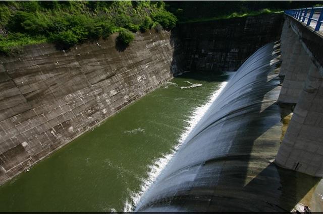 Defienden empresarios Hidroeléctrica Puebla 1 y resolución del juez