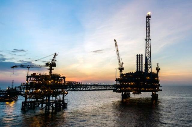 Cae producción de hidrocarburos en Pemex
