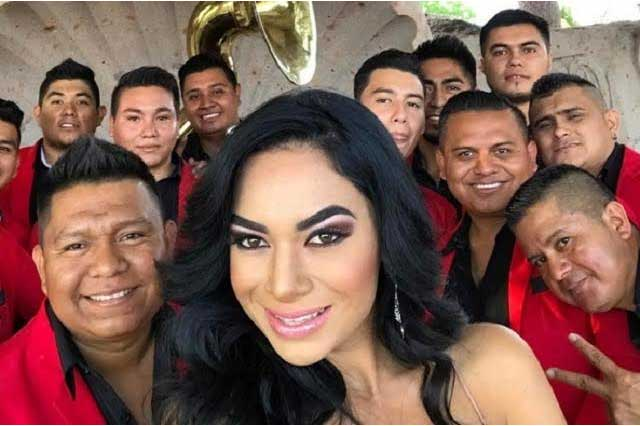 Hija de Joan Sebastian lanzará disco sin importarle oposición de su hermano