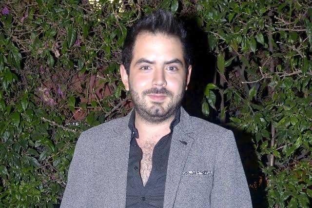 Circulan supuestas fotos del hijo de Eugenio Derbez desnudo
