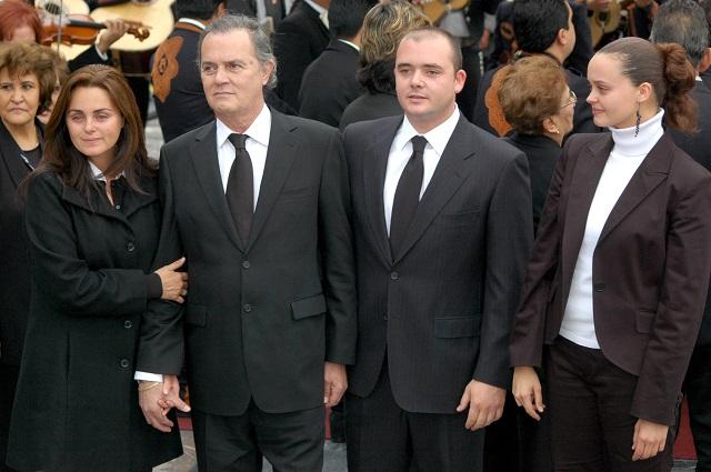 Hijo de Rocío Dúrcal está hospitalizado por coronavirus; podría ser delicado