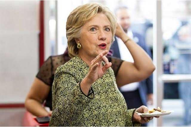 Hillary Clinton cena tacos en Las Vegas y presumen fotos