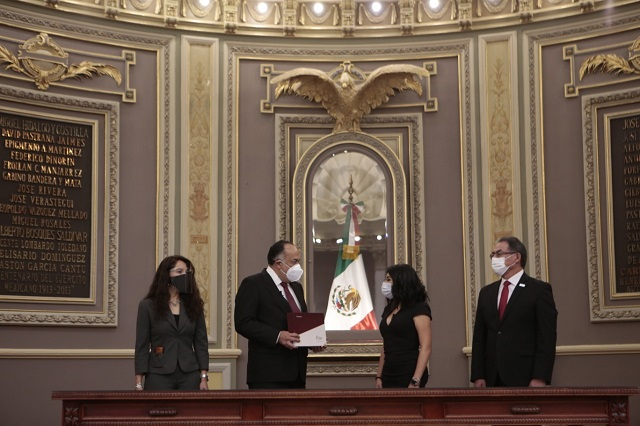 Informe de gobierno sin Barbosa y con plantón en el Congreso