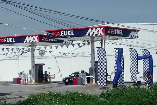 """Abre primera estación gasolinera de """"El Cachetes"""""""