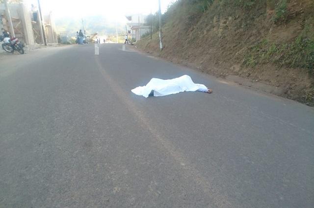 Atropellan a hombre que caminaba en carretera de Zacapoaxtla
