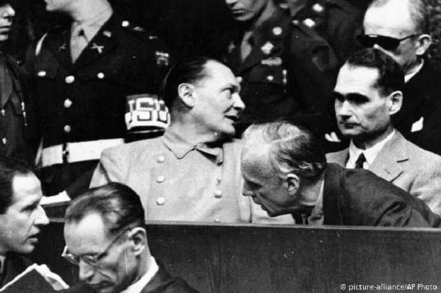 Hombre de 100 años irá a juicio por complicidad nazi
