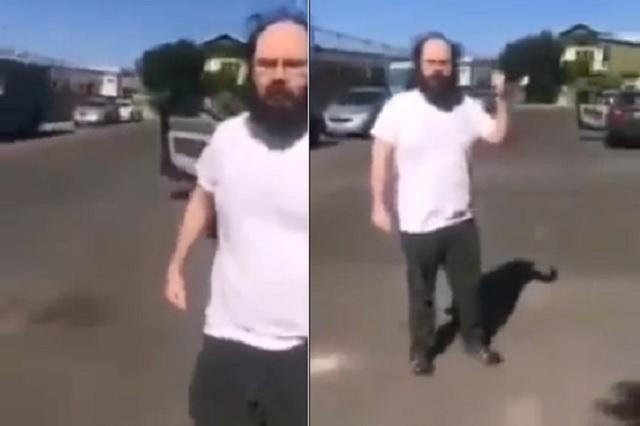Sujeto ataca a mujer por estacionarse afuera de su casa