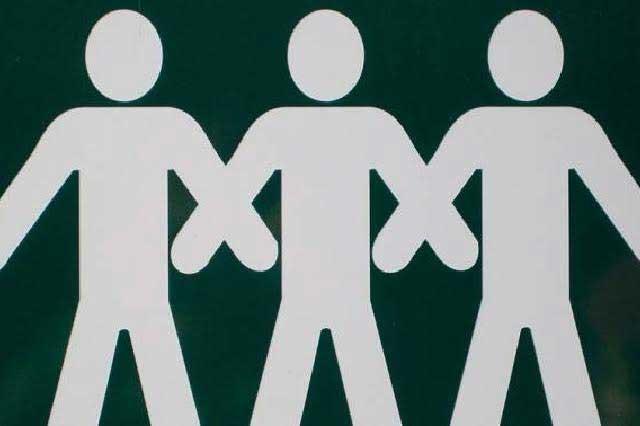 Trieja: Realizan primer matrimonio de tres hombres en Colombia