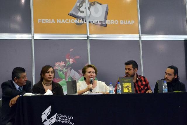 Rinden homenaje a René Avilés Fabila en la Fenali Buap