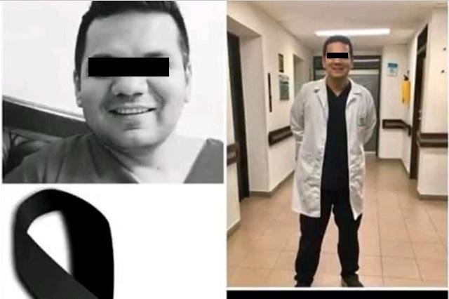 Médicos realizan emotivo homenaje a personal de salud que ha fallecido por Covid-19