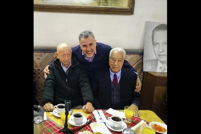 "Honorio Cortés López presentó su libro de memorias ""Será"""
