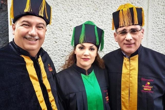 Tatiana recibe Doctorado Honoris Causa de parte de la UNAM