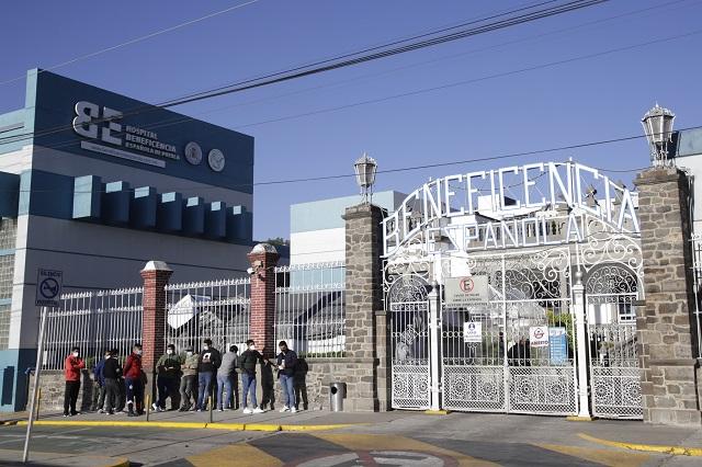 Disminuyen contagios pero no muertes por Covid en Puebla