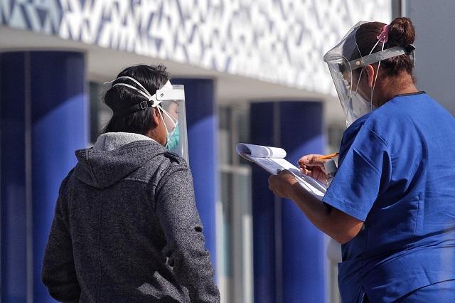 Bajan contagios de Covid-19 en Puebla; alerta ante rebrotes