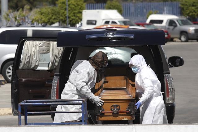 INEGI reporta 45% más de muertes por Covid en el 2020