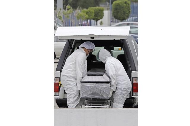 Dan por muerto a hombre en hospital y lo encuentran vivo en la morgue