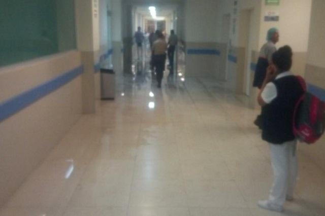 Otra vez brotan aguas negras en el Hospital General del Sur
