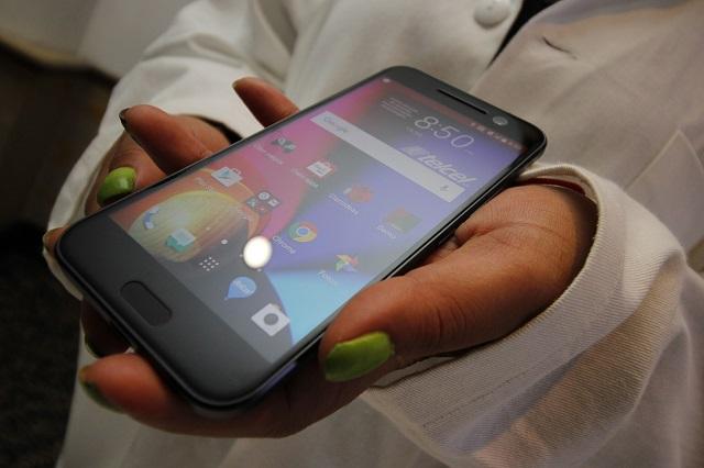 Así de fácil se empeñan celulares en Puebla