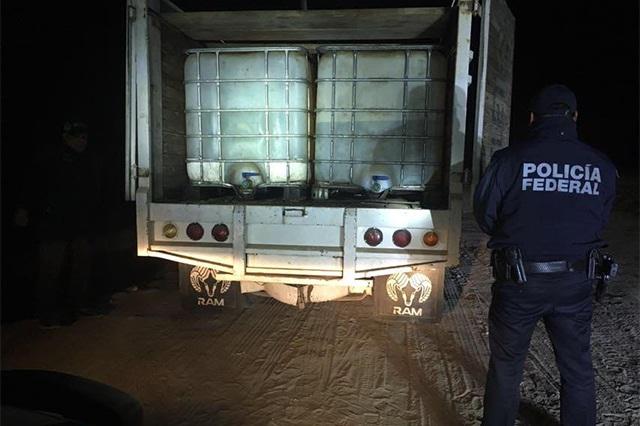 Policía Federal recupera casi 3 mil litros de huachicol en Texmelucan