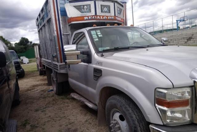 Sedena y SSP aseguran vehículos huachicoleros en Puebla