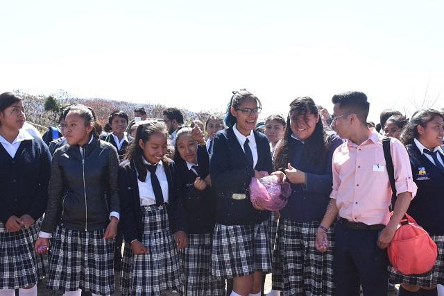 Habilitan sala de cómputo gratuita en Huaquechula