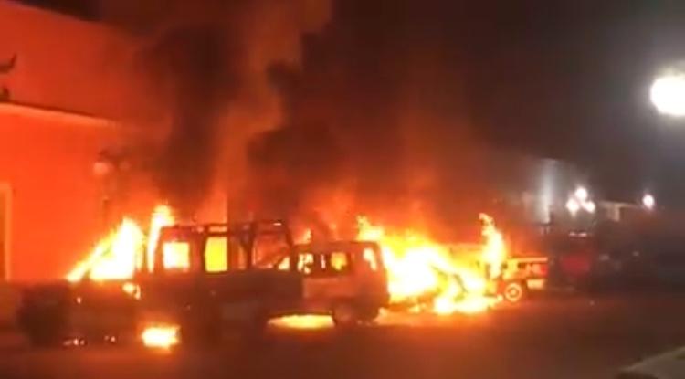 Chocan en Huaquechula policías y pandilla: 1 muerto y daños