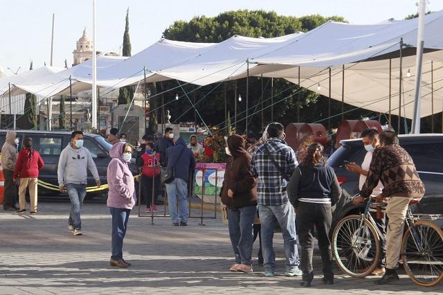 Falso rumor causa largas filas para vacunarse contra Covid en Huejotzingo