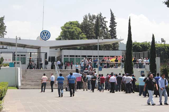 Hay condiciones para evitar la  huelga en VW, dice Canacintra