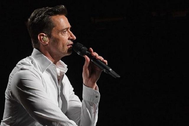 Hugh Jackman manda emotivo mensaje a Olivia Newton