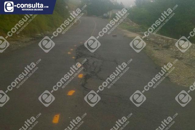 Se hunde tramo carretero Tehuacán-Tlacotepec en la Sierra Negra