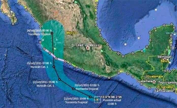 Desalojan a 10 mil turistas de Puerto Vallarta por huracán Patricia