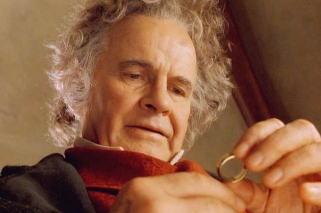 Muere Sir Ian Holm, quien dio vida a Bilbo Bolsón en El Señor de los Anillos