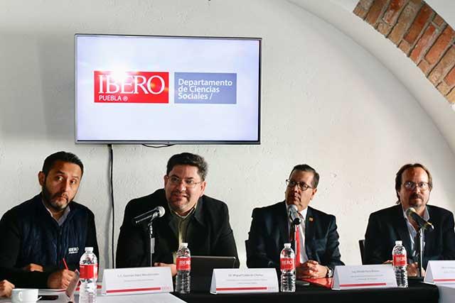 Ibero Puebla lanza programa para capacitar a los servidores públicos