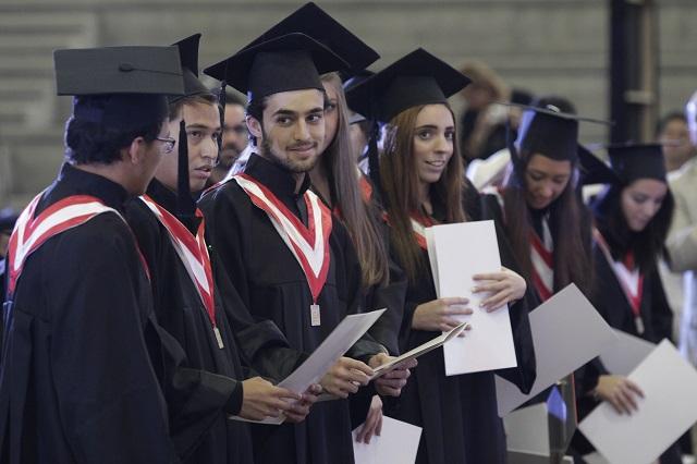 Reduce la SEP de 10 a 4 las opciones de titulación en Puebla