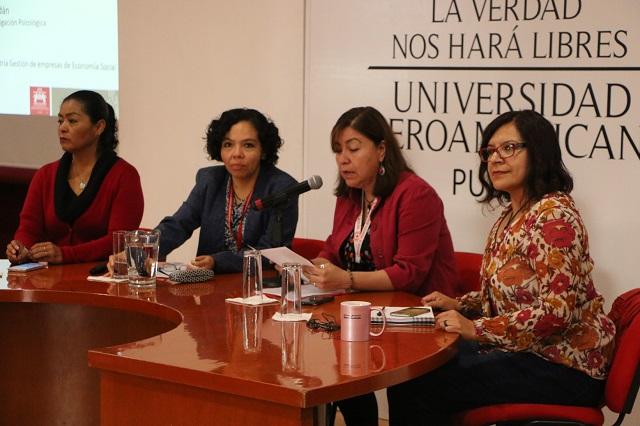 Académicos de la Ibero Puebla analizan causas del estrés laboral