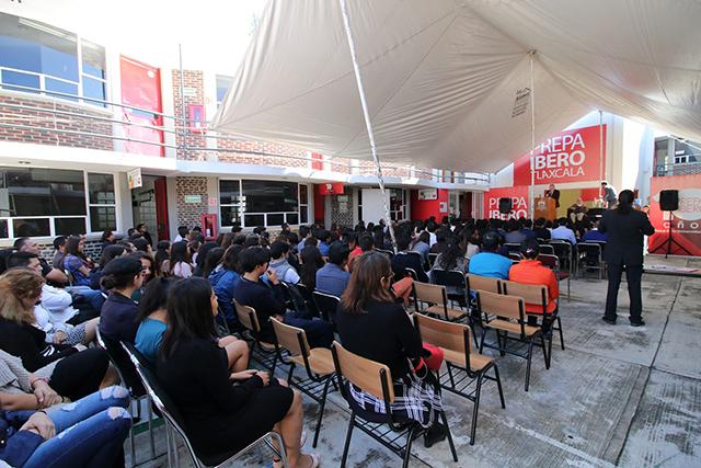 Seguir ejemplo de San Ignacio, exhorto a alumnos de Prepa Ibero Tlaxcala