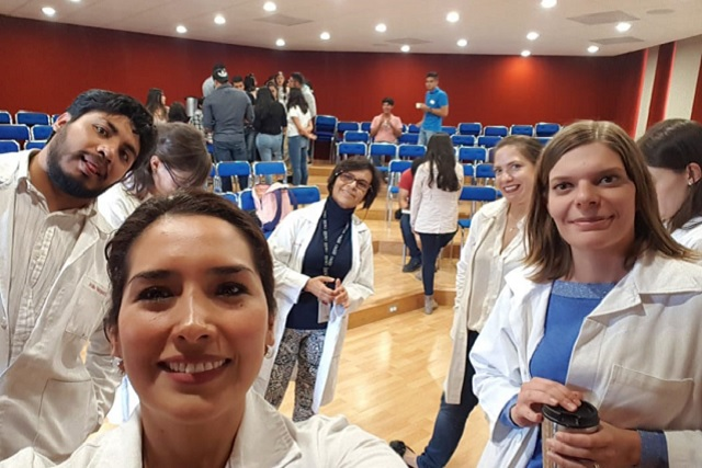 Ibero Puebla da curso de manejo del estrés para personal de Cruz Roja