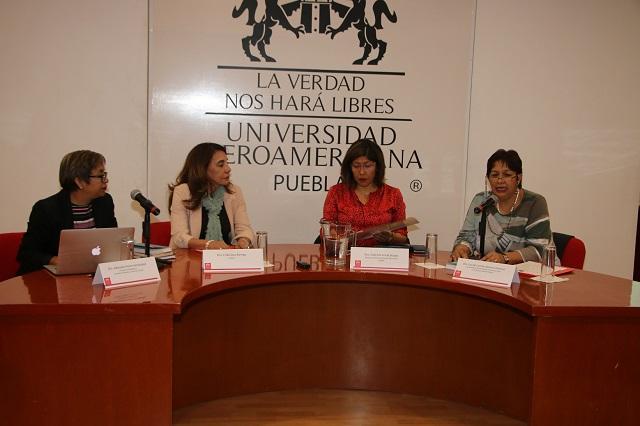 Presenta en la Ibero Puebla libro sobre nuevas técnicas de educación