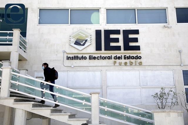 IEE allana camino a Morena para sustituir candidaturas
