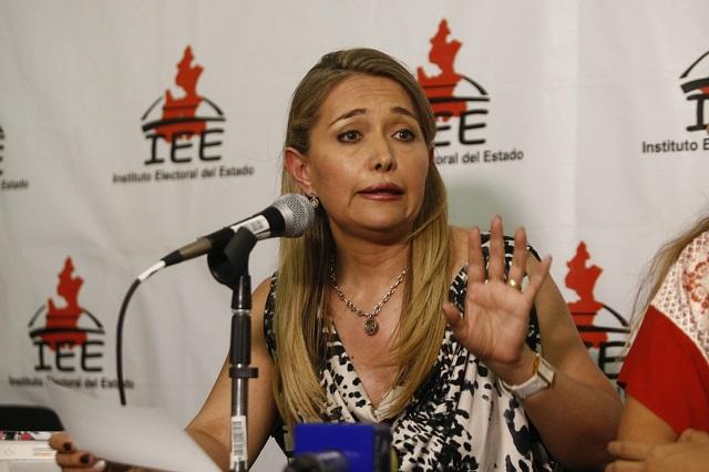 Consejera del IEE advierte conflictos de interés con Barbosa