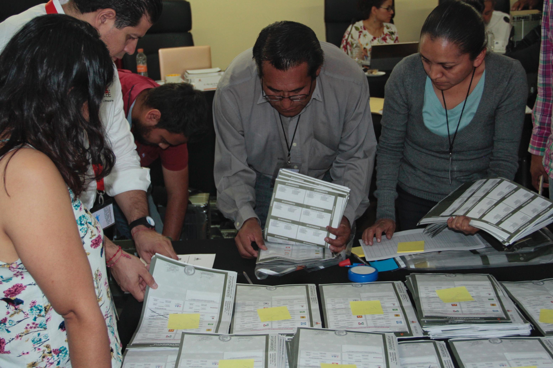 Revisan voto por voto en 2 mil 600 paquetes para la gubernatura