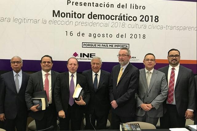El presidente del IEE, Jacinto Herrera, ingresa como asociado al COPUEX