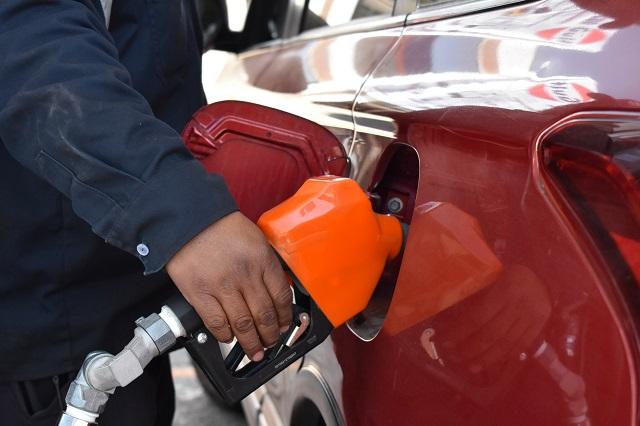 Encabeza Puebla permisos revocados a gasolineras del país