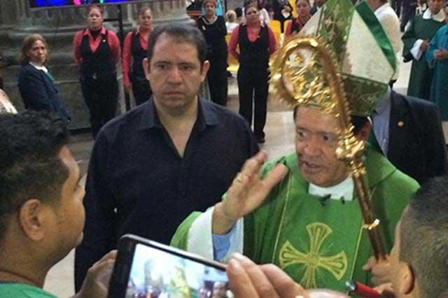 Iglesia critica sueldo de 650 mil mensuales del presidente de la Corte