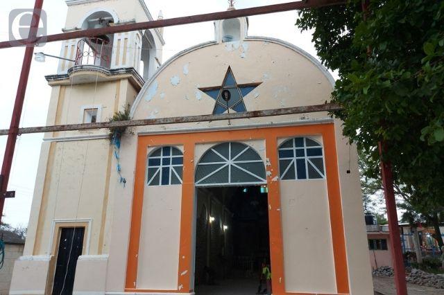 Restauran iglesia en Pixtiopan dañada por el 19S