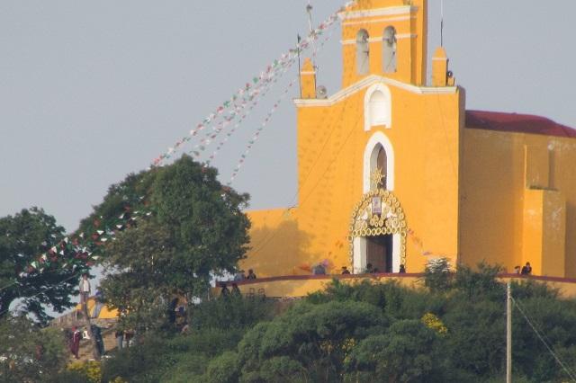 Cuestionan a iglesias en Atlixco por ofrecer misas al interior de los templos